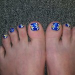 toes-blue